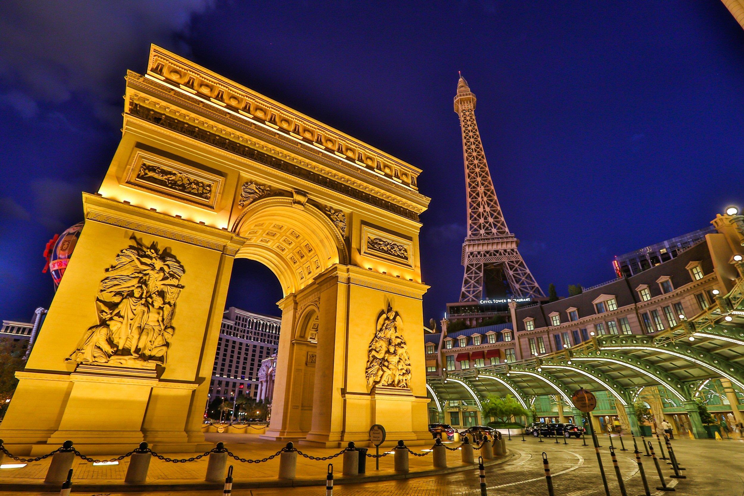 Paris Exterior Valet