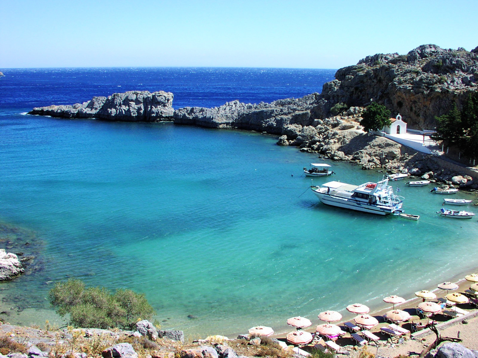 Charter a Private Jet to These Greek Islands with Cirrus Aviation