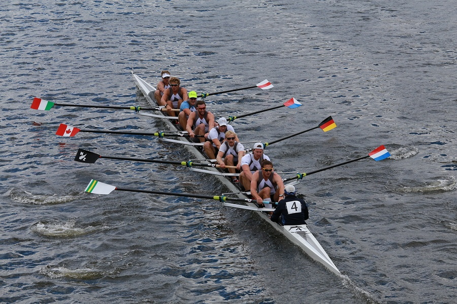 bigstock-Taurus-Boat-Club-races-in-the--74222641